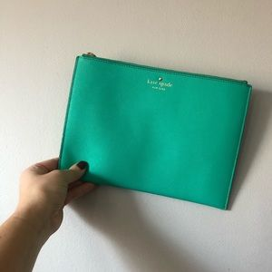 Kate Spade ♠️ green clutch